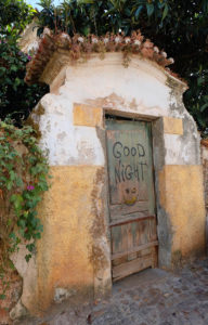 porte-coimbra-damoiseaux-exploration-good-nith-graffiti