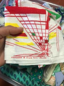 chute-tissu-upcycling-graphique-bahaus-jaune-rouge-vert