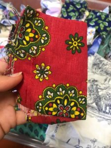 tissu-rouge-fleurs-andalouses-upcycling